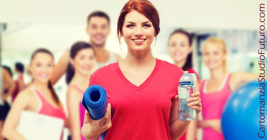 Come ottenere una pancia piatta in pochi giorni? Con una sana dieta, un po' di sport e i nostri consigli. Regola numero 1: bere tanta acqua.