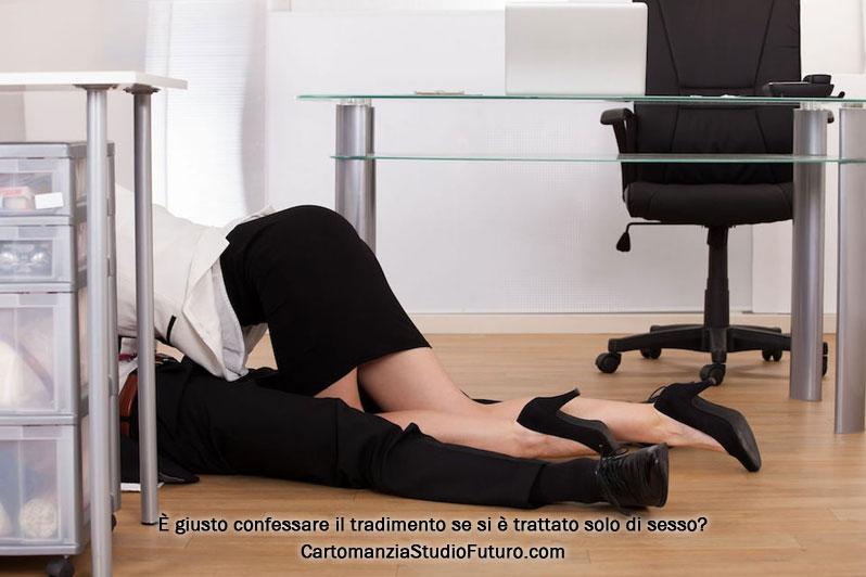 Tradire per sesso in ufficio